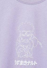 PULL&BEAR - MIT NARUTO-MOTIV - Print T-shirt - mauve - 6