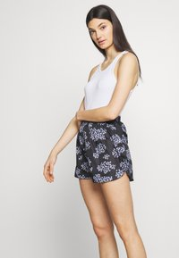 Lovechild - TAMARA - Short - black - 3