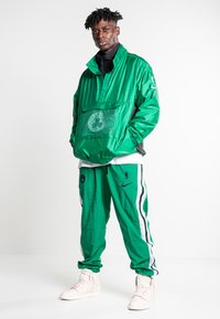 Nike Sportswear - Training jacket - clover/classic green/black/black