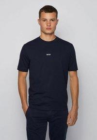 BOSS - TCHUP - T-Shirt basic - dark blue - 0