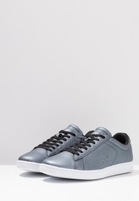 Lacoste - CARNABY EVO - Baskets basses - black/white - 4