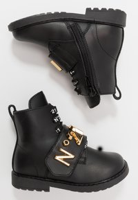 N°21 - Lace-up boots - black/gold - 0