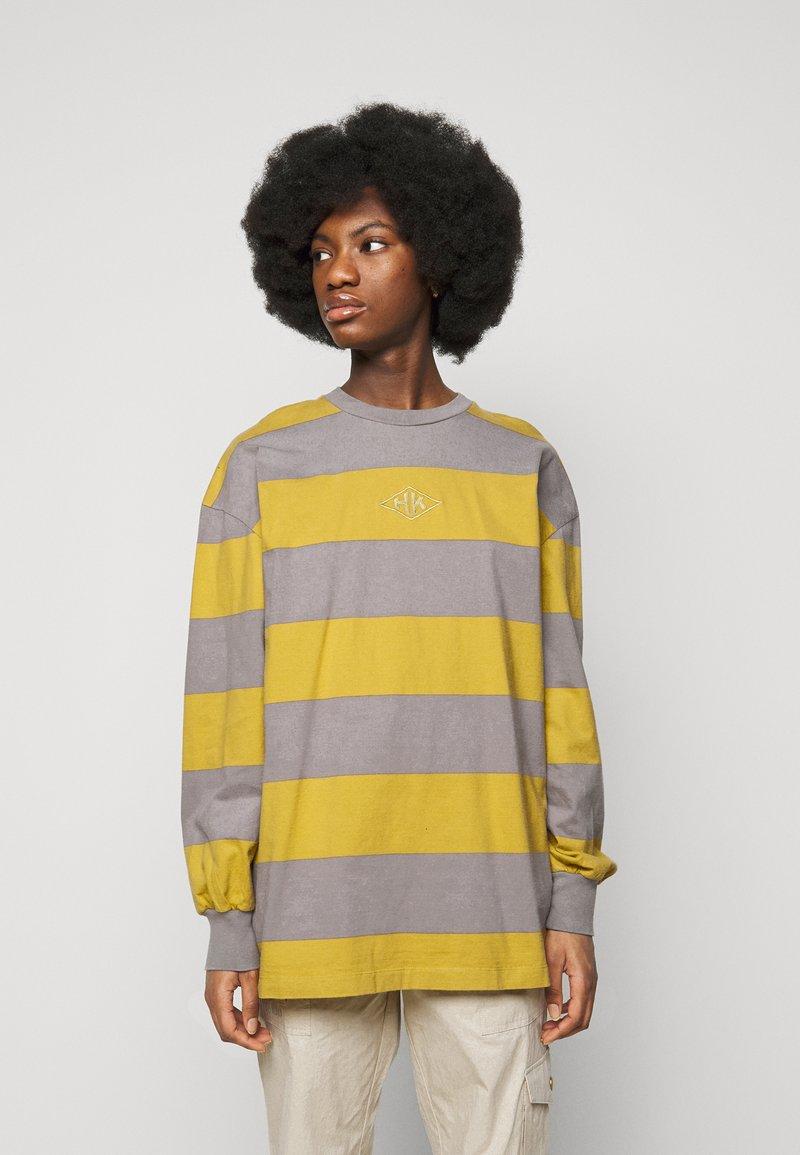 Han Kjøbenhavn - BOXY TEE - Long sleeved top - yellow