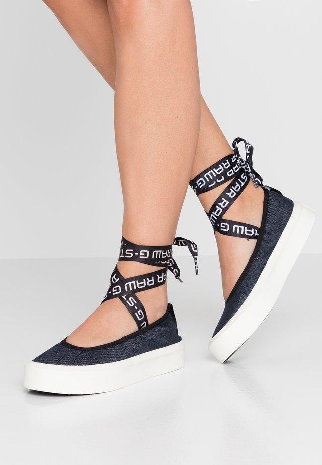 STRETT BALLERINA - Ankle strap ballet pumps - dark saru blue