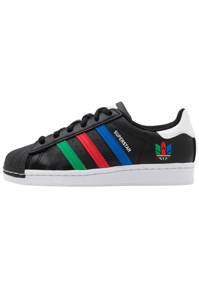 SUPERSTAR SPORTS INSPIRED SHOES UNISEX - Sneakers basse - core black/green/ftwr white