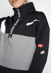 Nike Performance - DRY - Felpa - black/carbon heather/white - 5