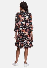 Betty Barclay - Day dress - black/rosé - 1