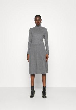 FLARE DRESS - Abito in maglia - mid grey heather