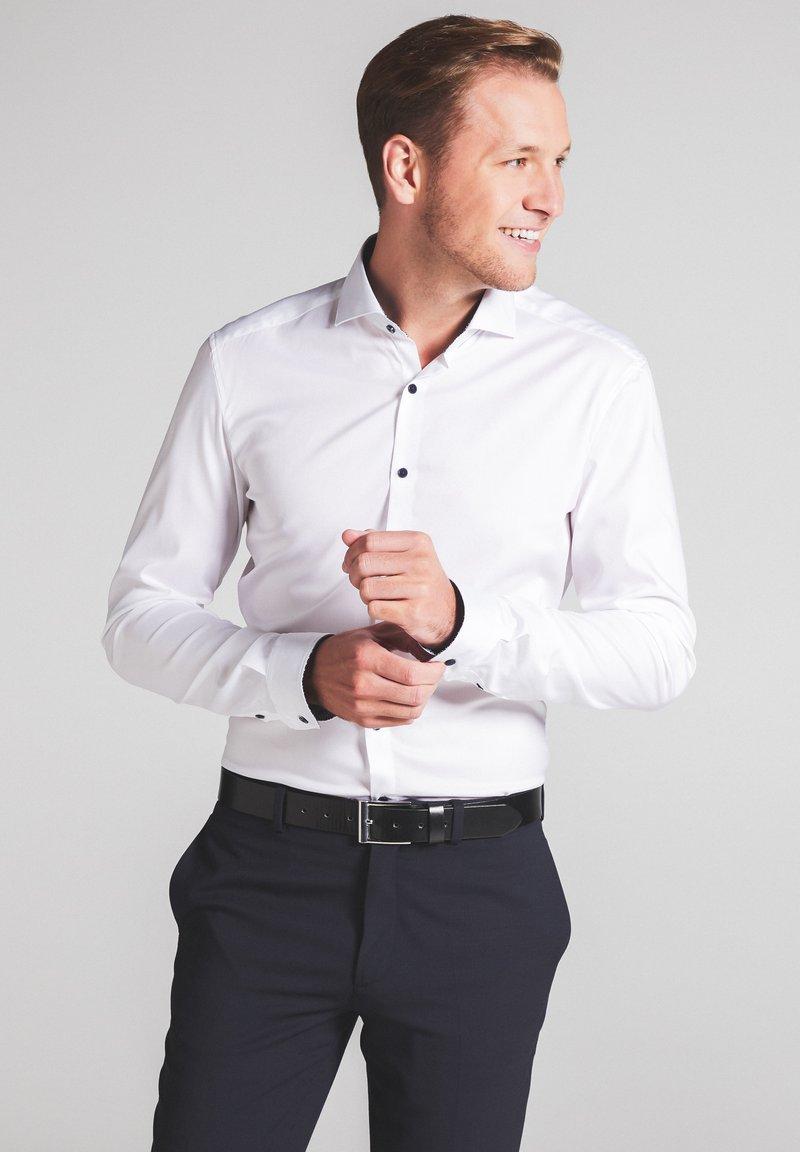 Eterna - SUPER-SLIM - Formal shirt - weiß