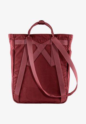 FJÄLLRÄVEN SCHULTERTASCHE KANKEN TOTEBAG 13 ZOLL POLYESTER 14 LI - Tote bag - ox red [326]