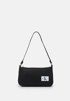 LOGO STRAP SHOULDER BAG - Handtasche - black