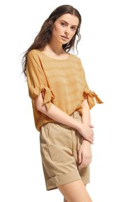comma casual identity - MIT TUNNELZUG-DETAILS - Blouse - apricot woven stripes - 4