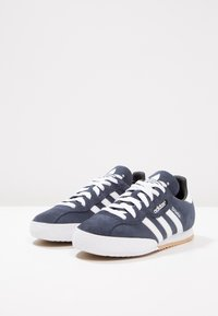 adidas Originals - SAMBA SUPER SUEDE - Trainers - marine/running white - 2