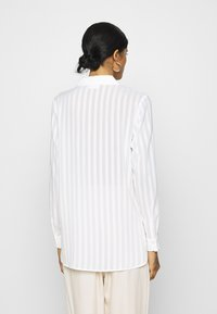 Vila - VIKAMOLIA SHIRT - Button-down blouse - cloud dancer - 2