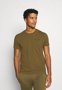 Champion - LEGACY CREWNECK - T-shirt basic - oilive - 0