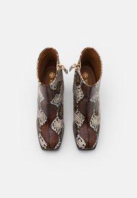 Tory Burch - RUBY BOOTIE - Kotníkové boty na platformě - aspen multicolor - 3