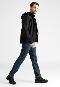 CMP - MAN JACKET ZIP HOOD - Soft shell jacket - nero - 1