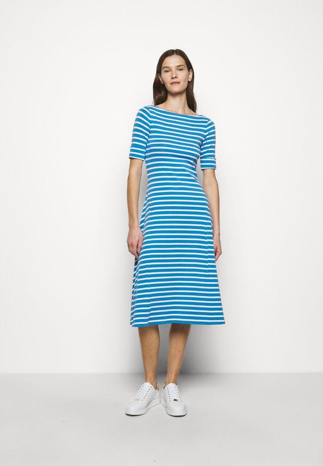 Žerzejové šaty - captain blue/white