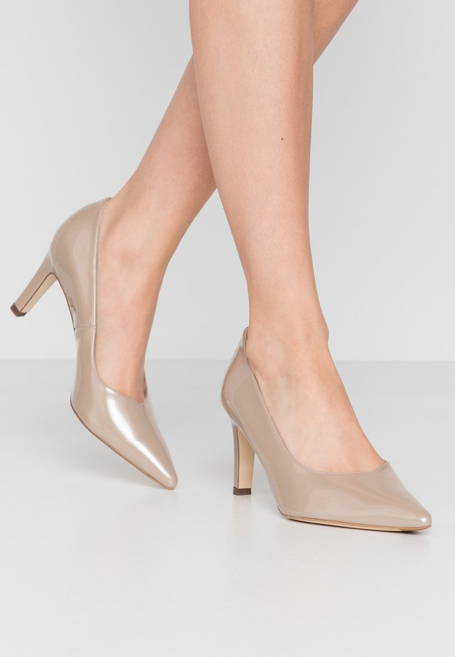 WIDE FIT TELSE - Classic heels - sand mura