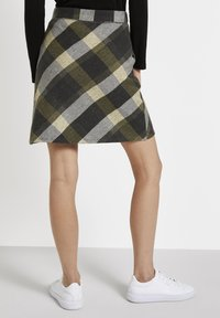 TOM TAILOR - A-line skirt - black yellow check knitted - 2