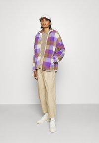Monki - GAIA - Summer jacket - purple/beige - 1
