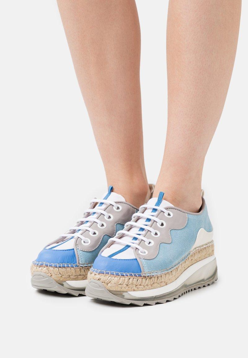 Gaimo - VIC - Chaussures à lacets - multicolor/azul