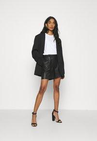 DEPECHE - Shorts - black - 1