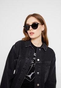 VOGUE Eyewear - Lunettes de soleil - black - 1