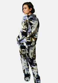 Fable & Eve - Pyjama - leaf print - 1