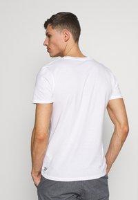 TOM TAILOR DENIM - 3 PACK - T-shirt basic - light stone/grey melange - 3