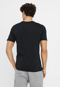 Jordan - JUMPMAN AIR TEE - T-shirt basic - black/white - 2