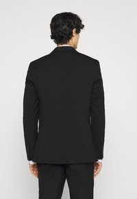 Selected Homme - SLHSLIM MYLOLOGAN CROP SUIT - Kostym - black - 3