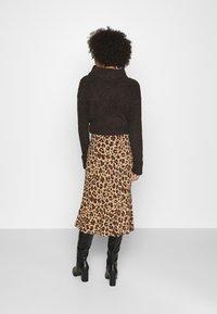 GAP - SIDE TIE BIAS MIDI SKIRT - A-line skirt - black/sand - 2