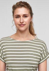s.Oliver - Print T-shirt - summer khaki stripes - 4