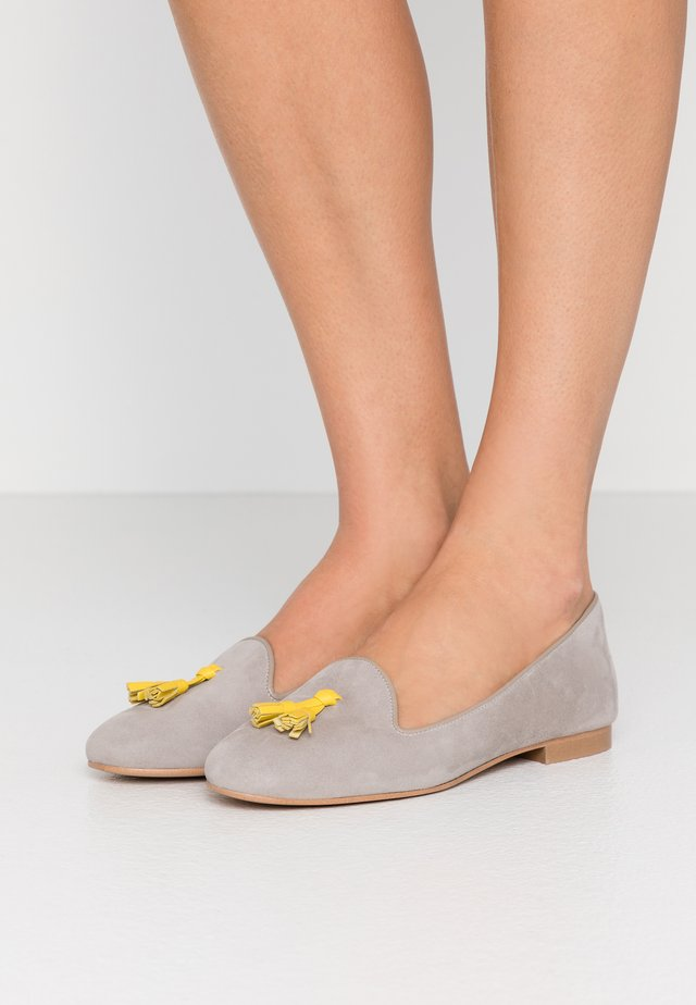 FRANÇOIS TASSELS - Mocassins - grey/yellow