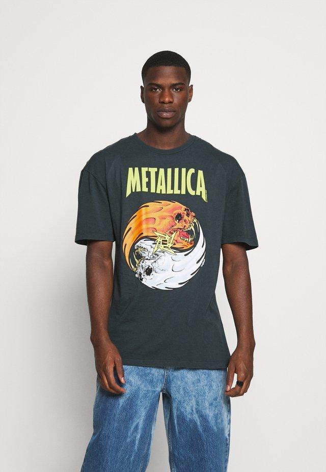 METLLICA YING YANG - T-shirt z nadrukiem - black washed