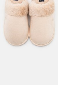 Polo Ralph Lauren - SUMMIT SCUFF  - Slippers - cream - 6