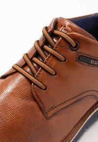 Bugatti - SIMONE COMFORT - Zapatos con cordones - cognac - 5