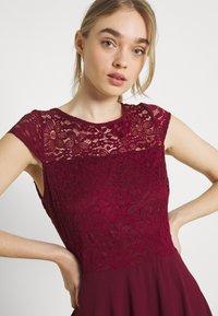 WAL G. - PEYTON SKATER DRESS - Cocktail dress / Party dress - burgundy - 3