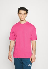9N1M SENSE - BUTTERFLY CLOUDS UNISEX - T-shirt imprimé - azalea pink - 2