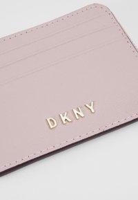 DKNY - MILA EW CARD HOLDER - Lommebok - light pink - 2