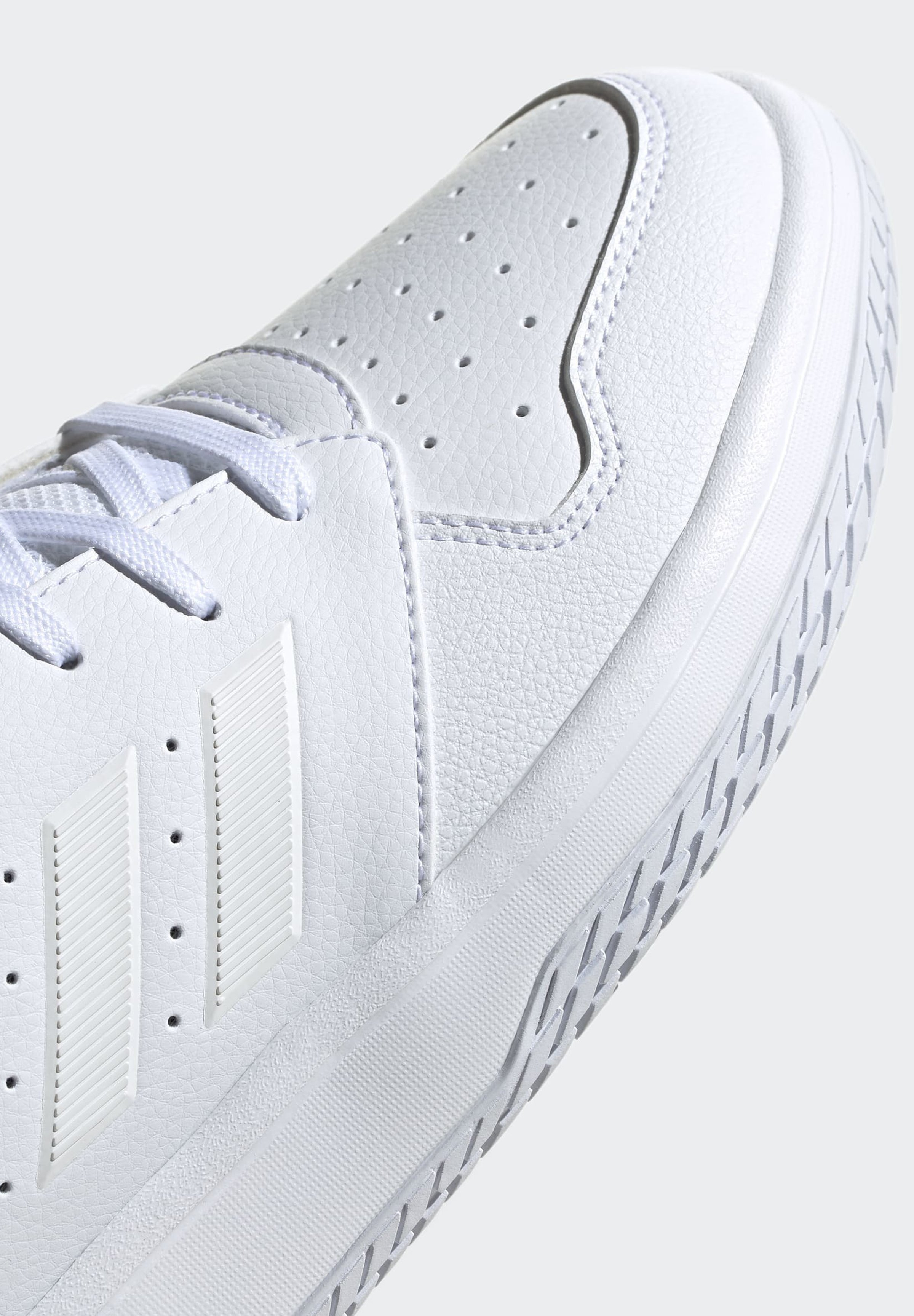 adidas Performance GAMETAKER SHOES - Scarpe da basket - white | Scarpe Prezzo Speciale