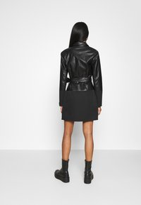 Missguided - BELTED BLAZER DRESS - Sukienka letnia - black - 2