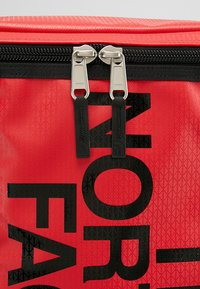 The North Face - BASE CAMP FUSEBOX - Rucksack - red - 8