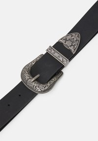 Pieces - PCBEVERLY WAIST BELT - Belt - black/silver-coloured - 2