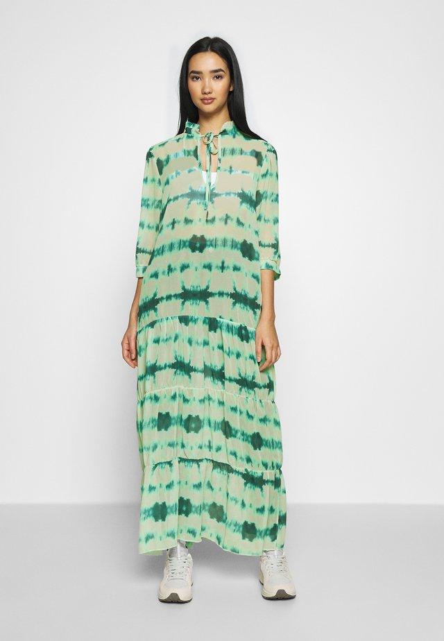 TIERED DRESS - Vestito lungo - green