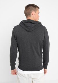 Jack & Jones - JJEHOLMEN - Zip-up hoodie - dark grey melange - 2