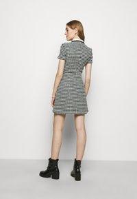 maje - RENAGA - Shirt dress - ecru/vert - 2