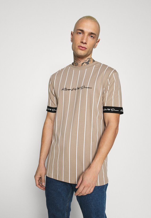 CLIFTON - T-shirt med print - light brown/white