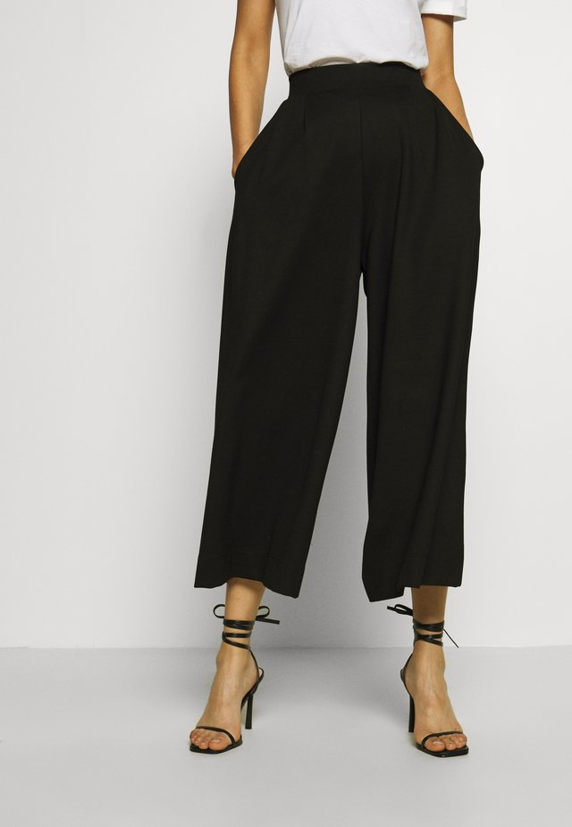 TROUSER FEMI CULOTTES - Trousers - black
